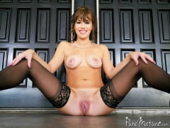 Alana Cruise - Pampered 9 to 5 (Thumb 01)