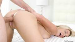 Laura Bentley - Soapy Self Pleasure (Thumb 13)