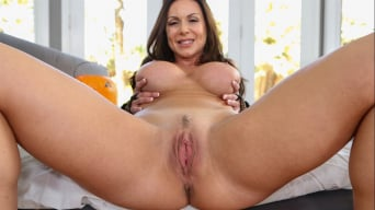 Kendra Lust in 'Make Her Purr'