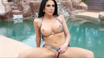 Jaclyn Taylor in 'Poolside Lust'