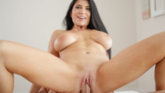 Romi Rain en 'Welcome Home'