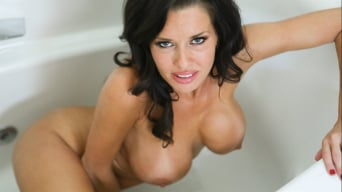 Veronica Avluv in 'Lascivious Lady'