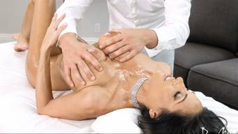 Veronica Rayne in 'Extramarital Massage'